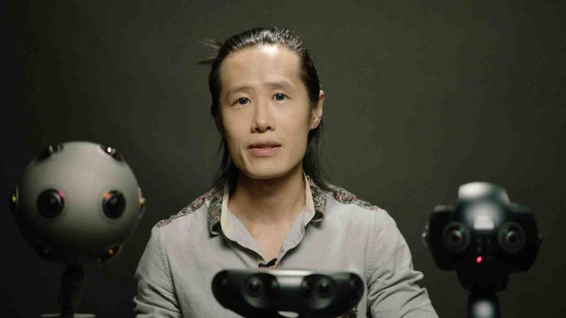 Hugh Hou iwith three different 360 cameras