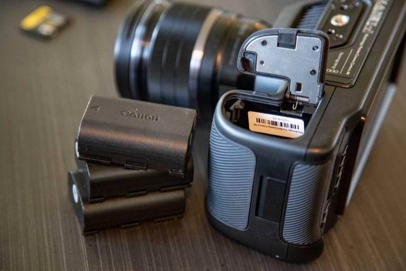 Blackmagic Design Pocket Cinema 4k batteries are Canon EP-L6