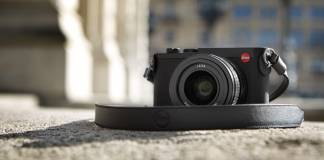 Leica's Q2 on ground