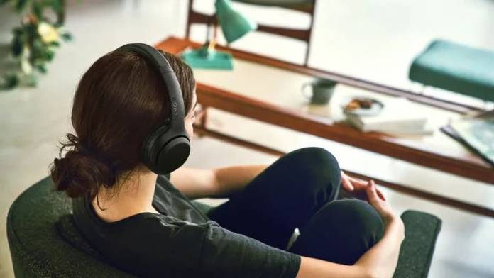 Sony's XB900N noise-cancelling headphones is a more affordable version of the 1000XM3