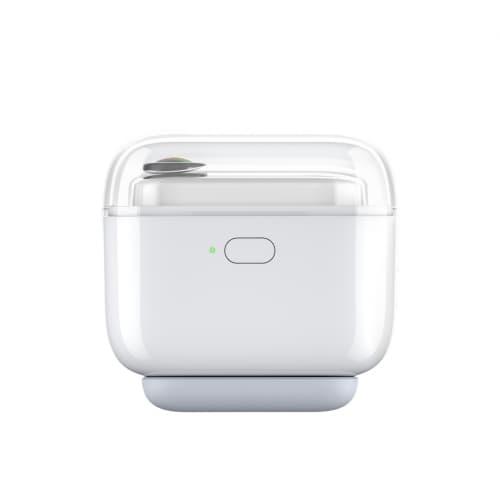 Insta360 Go's charging case