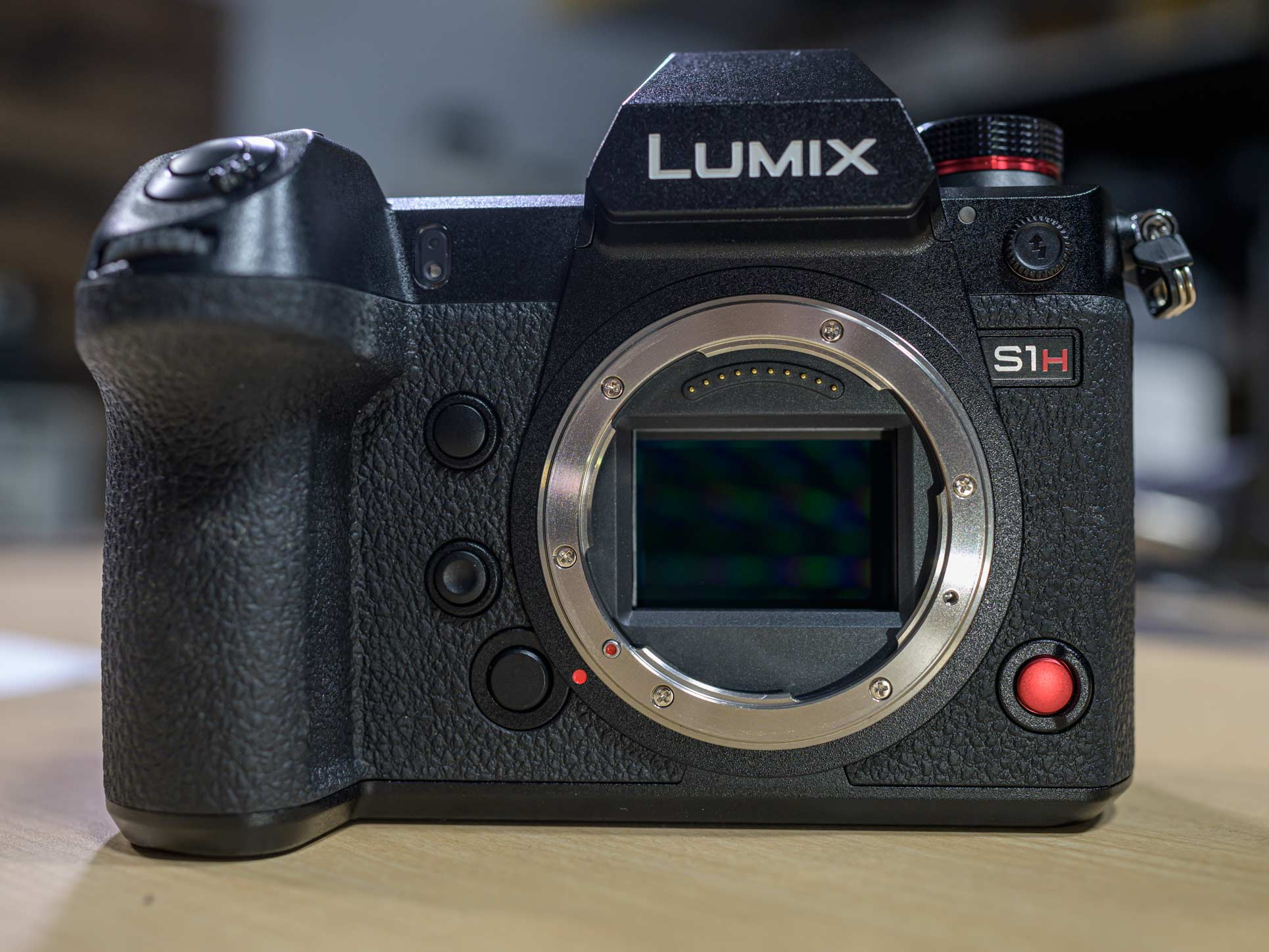 Panasonic LUMIX S1H hands-on review: Big camera, big value