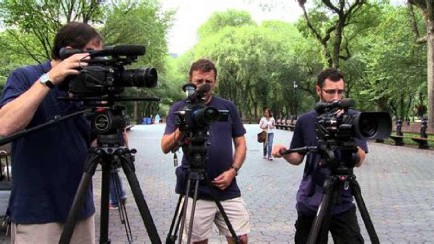 Multicamera setup with camera operators