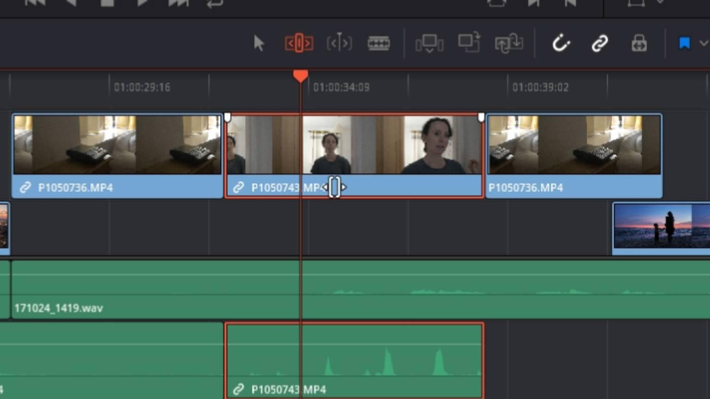 Slide edit in Blackmagic DaVinci Resolve