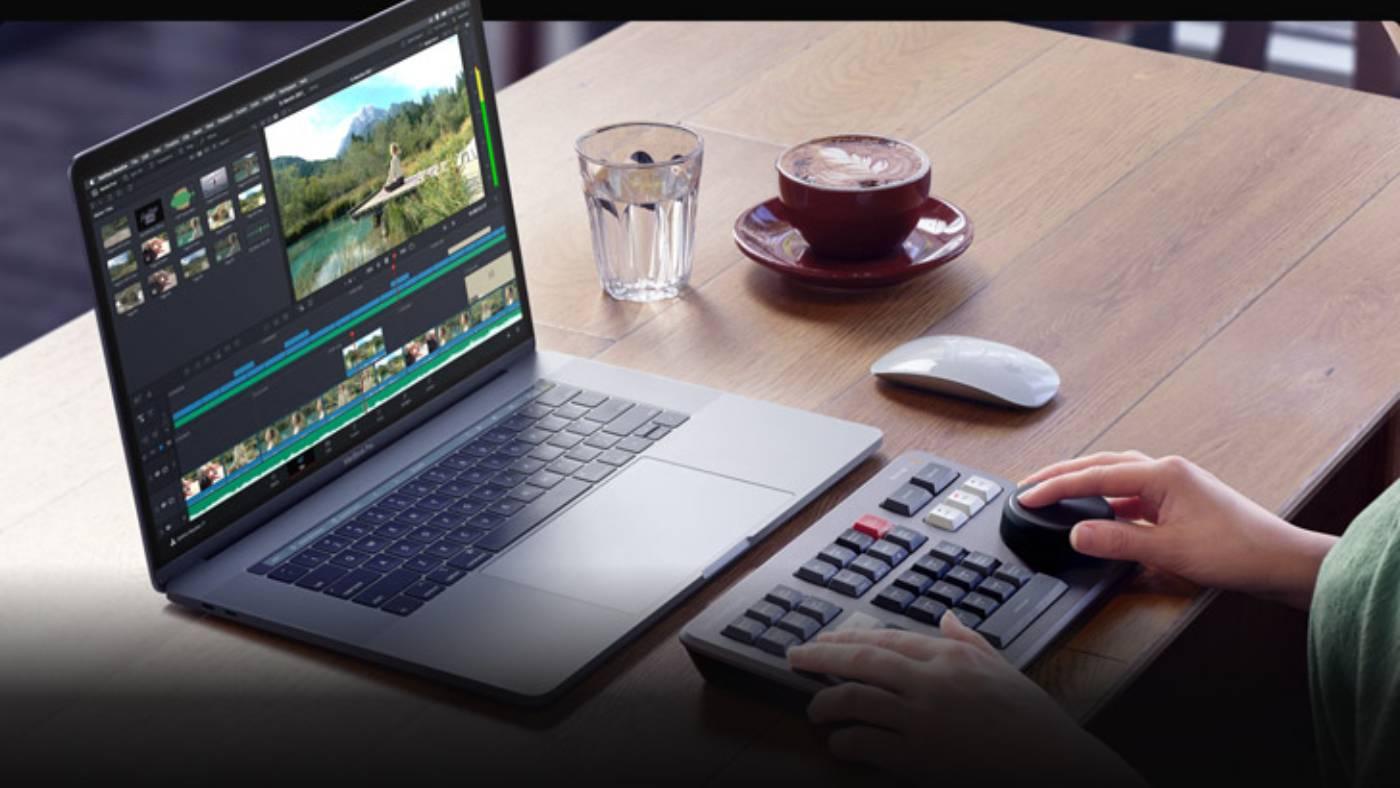 Blackmagic Design DaVinci Resolve 17 editing