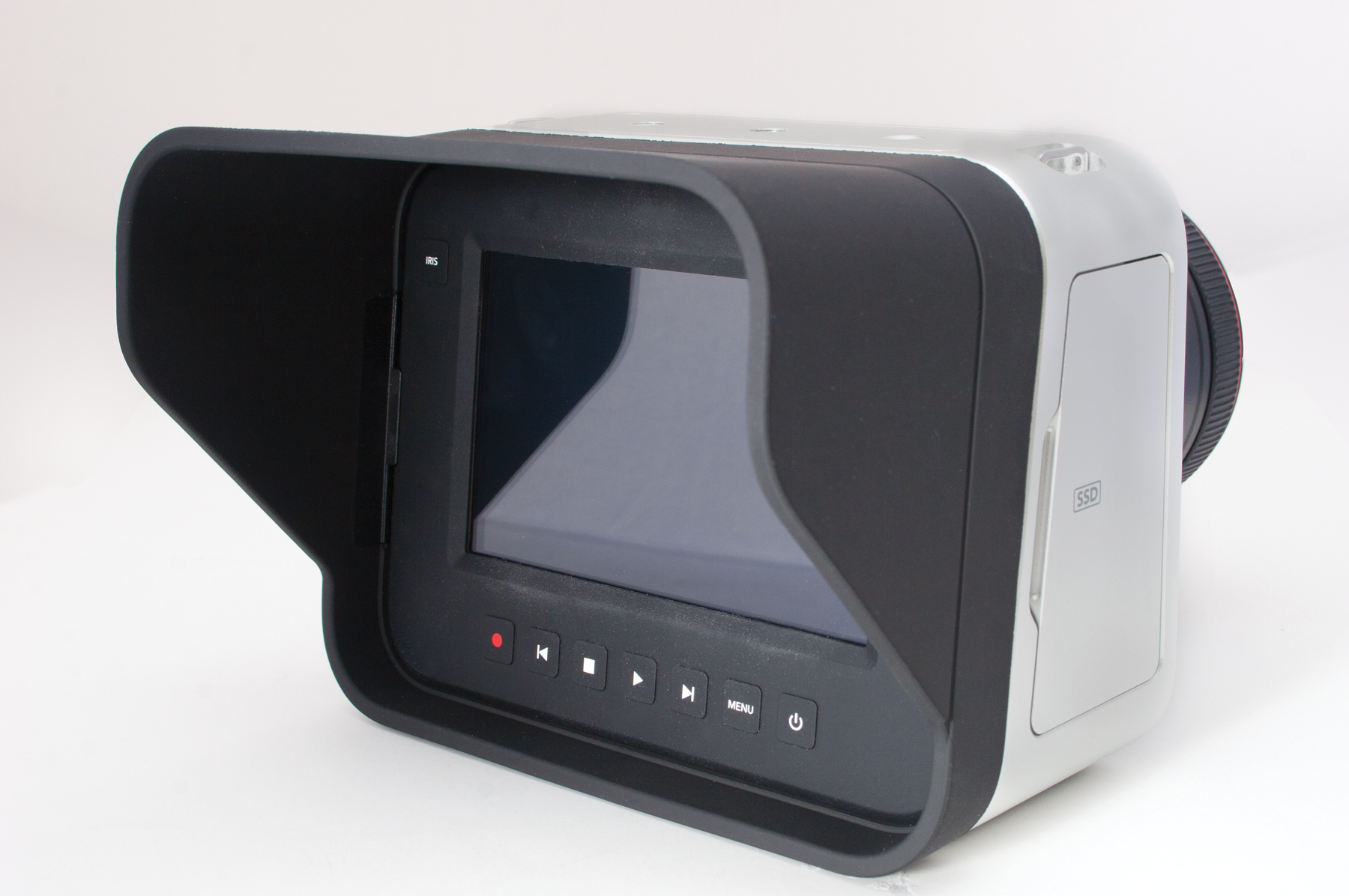 Blackmagic Cinema Camer - lens hood