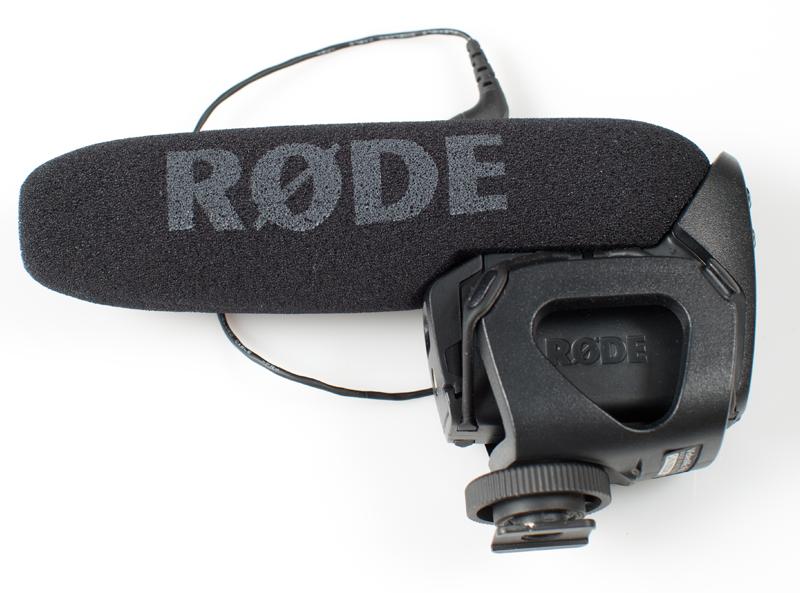 Photo of a RØDE Videomic Pro mic.