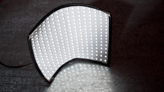 Westcott Flex illuminating metal surface