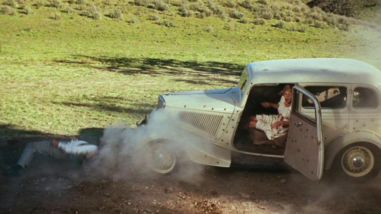 Scene from Bonnie and Clyde - Ambush and shooting of the pair.