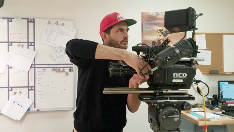 John LaTier using the Augeniuex Paris 16MM Zoom On a RED ONE