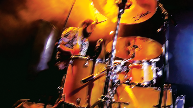 Zittery image of a drummer.