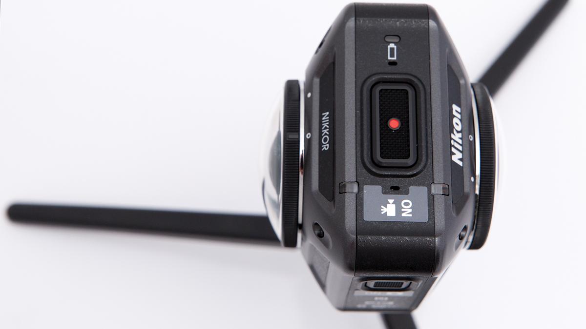 Testing Nikon KeyMission's underwater capabilities.