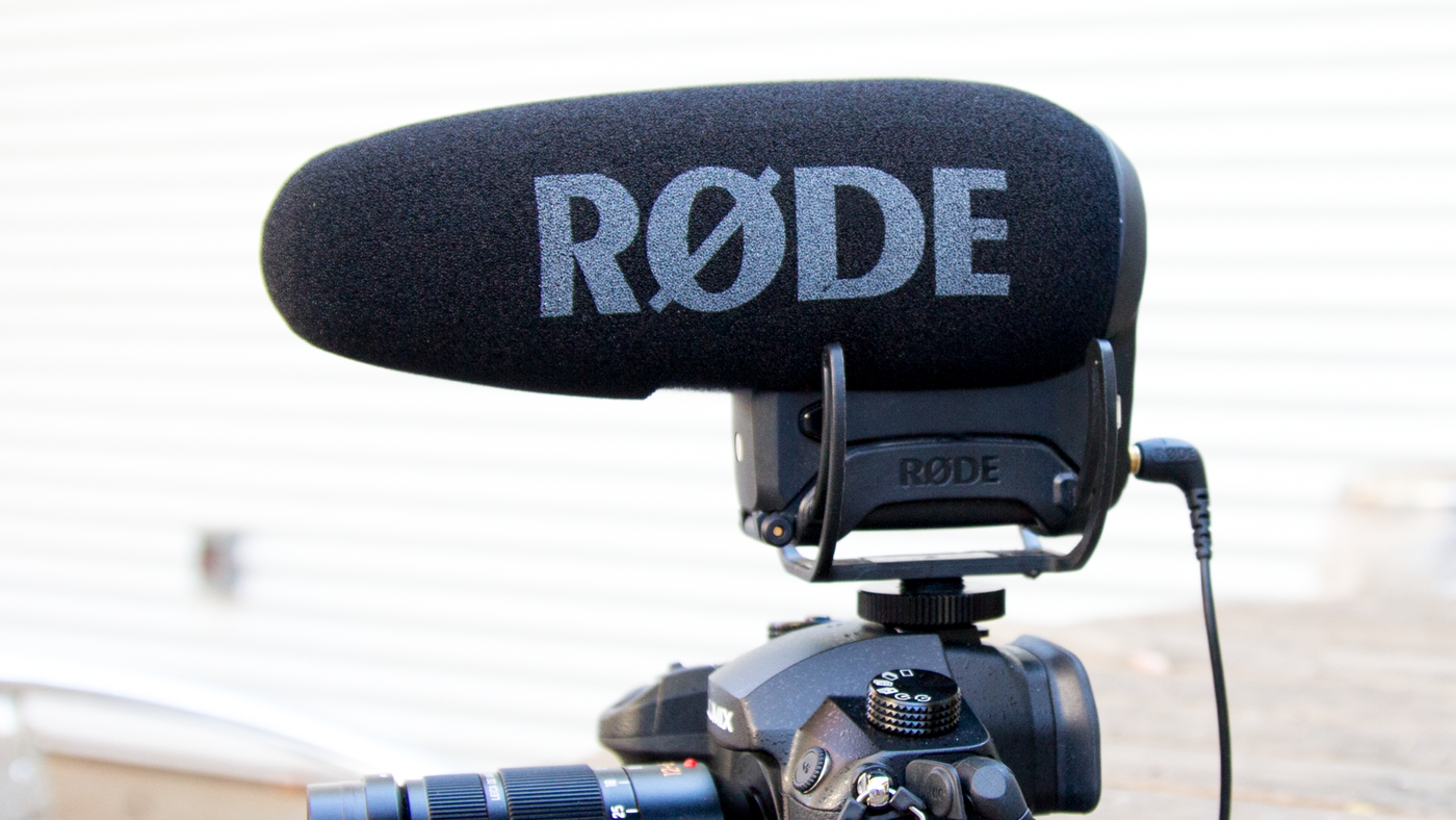 Review Rode Videomic Pro Builds On A Camera Top Classic