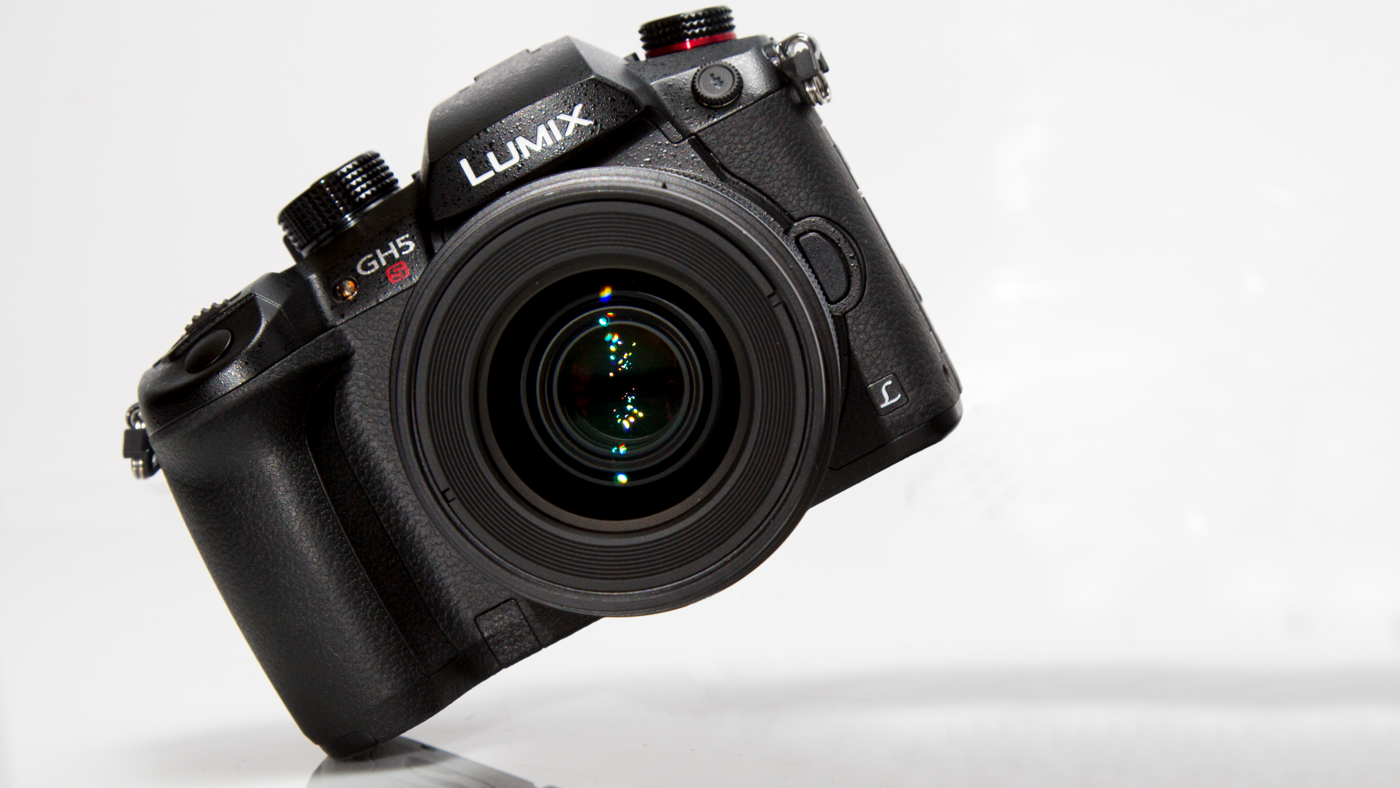 Review: Panasonic LUMIX GH5s Trades Stabilization for Sensitivity