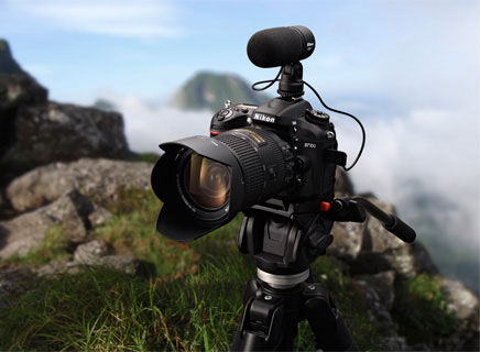Nikon D7100 with external microphone