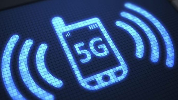 Design of a cell phone with 5G in the middle of its screen