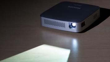 Philips PPX5110 PicoPix Mobile Projector on desk